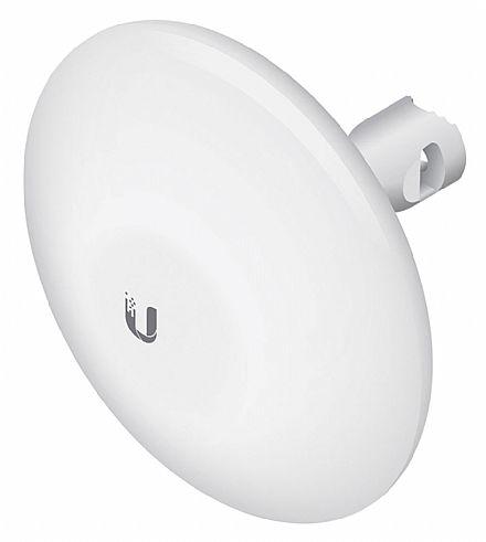 CPE Ubiquiti NanoBeam M5 airMAX - 5 GHz - Antena 16 dBi - 1 porta PoE 10/100Mbps - Alcance de até 10km - Throughput TCP efetivo de até 150Mbps - NBE-M5-16