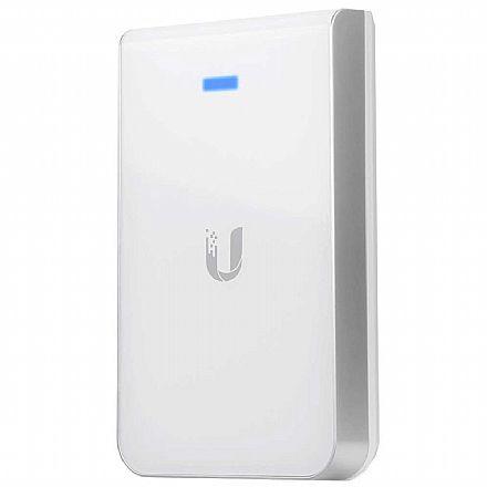 Access Point Ubiquiti UniFi® UAP AC IW AC1200 - Dual Band 2.4 GHz e 5 GHz - 20dBm - Gigabit - PoE passivo - Alcance até 120m - UAP-AC-IW